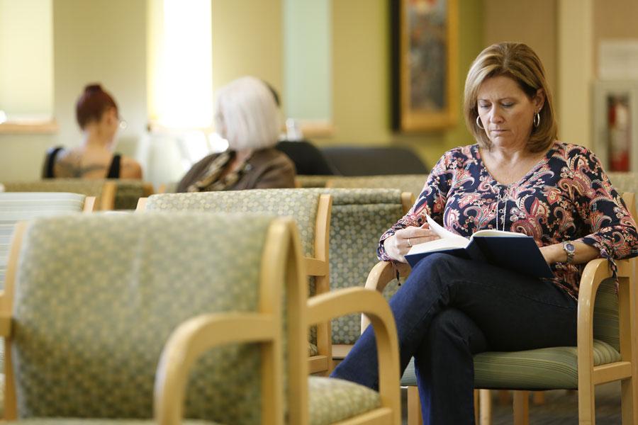 Wilmington-Gastroenterology-Associates-Endoscopy-Center-Waiting-Area